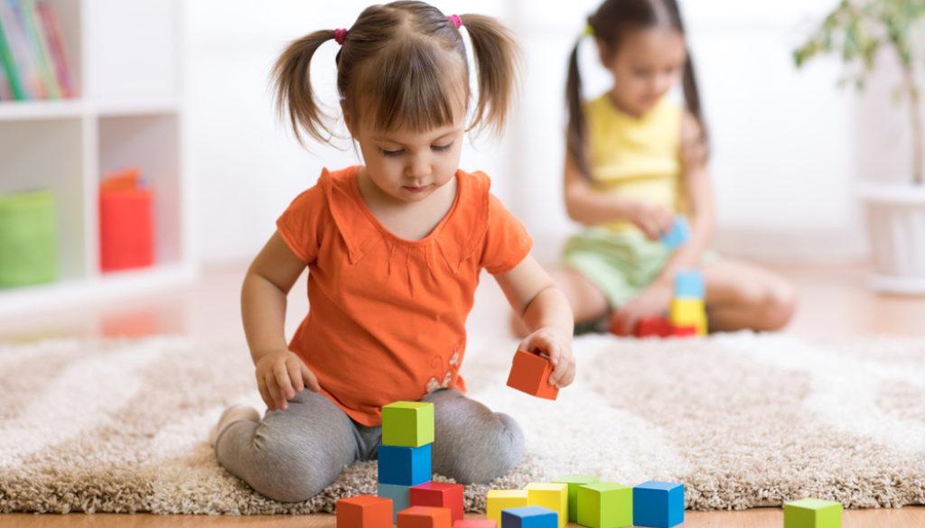 Spielzeug Kinder